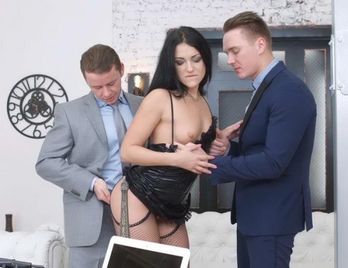 Бизнесмен и проститутка снять проститутку на улице москва