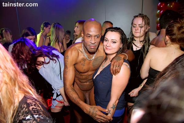 Party Hardcore Forum
