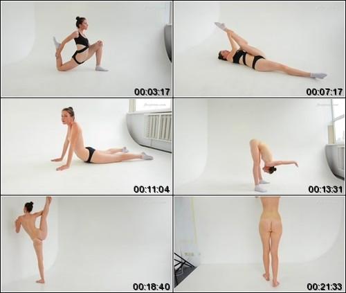 https://ist5-1.filesor.com/pimpandhost.com/6/3/6/1/63615/6/Q/8/A/6Q8Ai/FlexyTeens_Naked-Gymnast_128._1_m.jpg