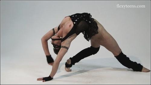https://ist5-1.filesor.com/pimpandhost.com/6/3/6/1/63615/6/Q/8/d/6Q8da/FlexyTeens_Naked-Gymnast_107._0.jpg