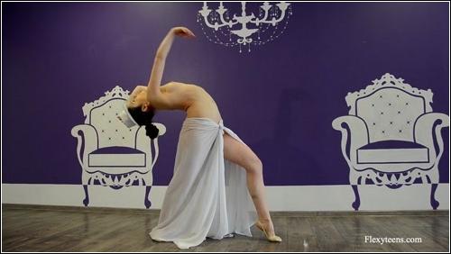 https://ist5-1.filesor.com/pimpandhost.com/6/3/6/1/63615/6/Q/8/d/6Q8dd/FlexyTeens_Naked-Gymnast_105._0.jpg
