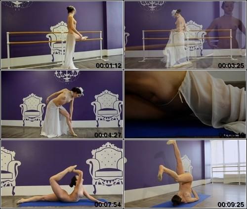 https://ist5-1.filesor.com/pimpandhost.com/6/3/6/1/63615/6/Q/8/d/6Q8dv/FlexyTeens_Naked-Gymnast_105._1_m.jpg