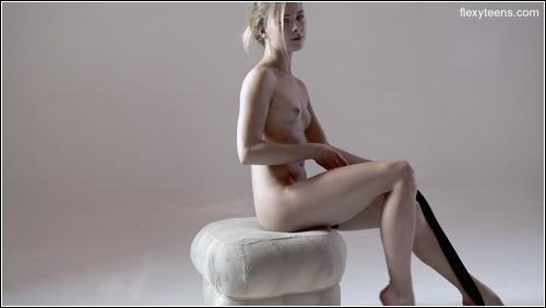 https://ist5-1.filesor.com/pimpandhost.com/6/3/6/1/63615/6/Q/8/n/6Q8nB/FlexyTeens_Naked-Gymnast_118._0.jpg