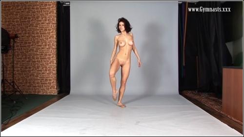 https://ist5-1.filesor.com/pimpandhost.com/6/3/6/1/63615/6/Q/G/J/6QGJQ/FlexyTeens_Naked-Gymnast_443._0.jpg
