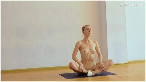https://ist5-1.filesor.com/pimpandhost.com/6/3/6/1/63615/6/Q/i/J/6QiJP/FlexyTeens_Naked-Gymnast_184._0.jpg