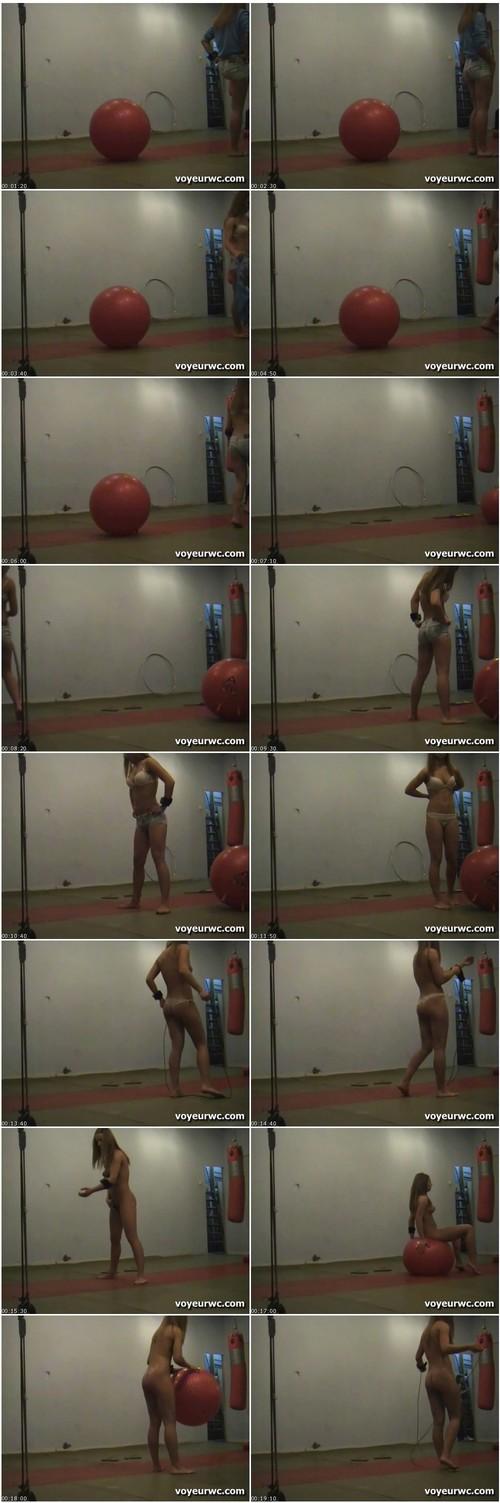 MuscularBodyBuildersVZ048_thumb_m.jpg