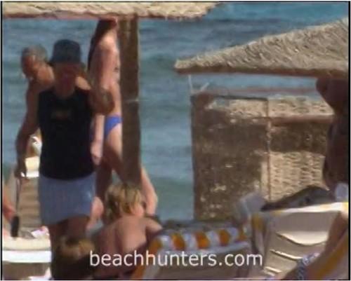 beachhunters-m1117_cover_m.jpg