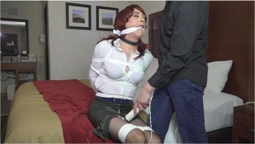 https://ist5-1.filesor.com/pimpandhost.com/9/6/8/3/96838/6/N/O/x/6NOxK/TransvestitesBDSMVZ138_cover_m.jpg