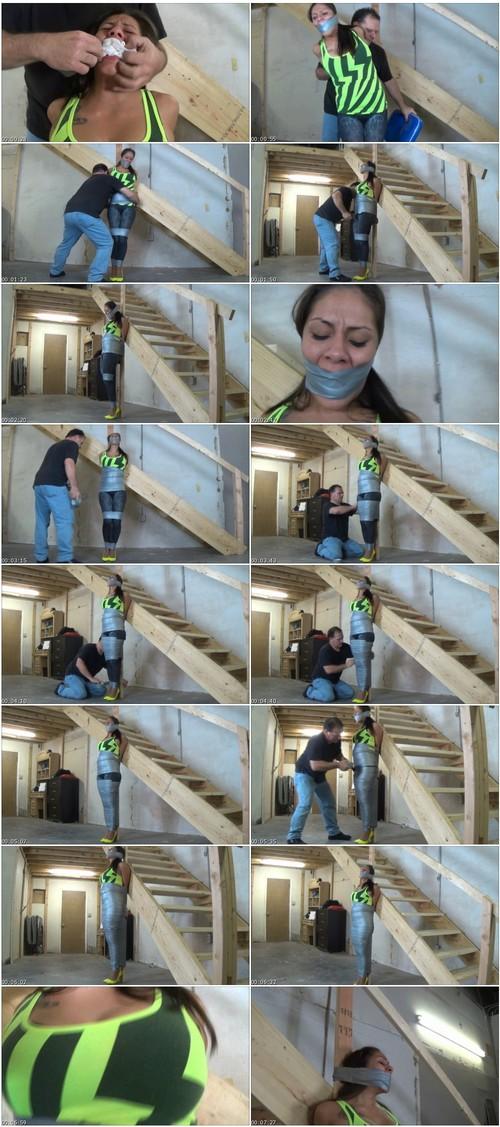 HumiliationGirlsVZ033_thumb_m.jpg