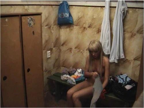 Скрытая камера девушка одна дома видео, порно англия большие сиськи